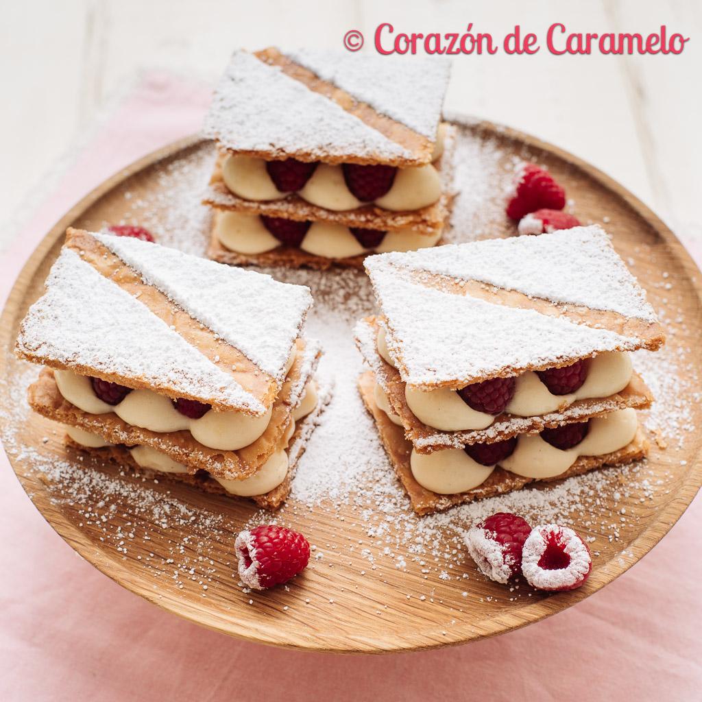 Milhojas de hojaldre, crema diplomática y frambuesas | Receta facilísima