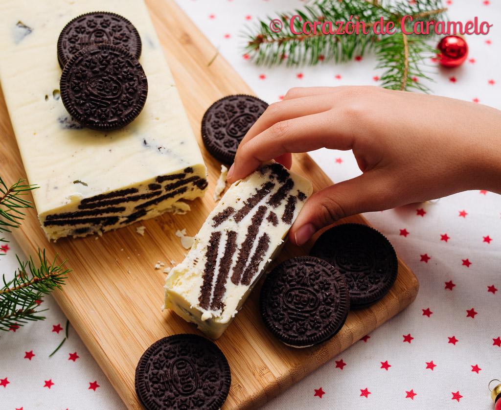 Turrón de chocolate blanco y galletas Oreo   Receta de Navidad