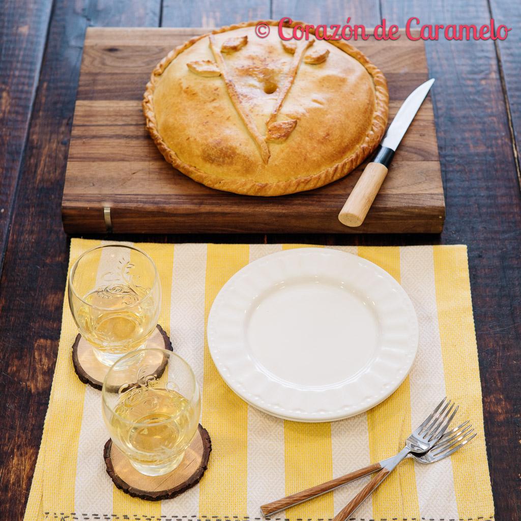 Empanada gallega de bonito   Receta casera