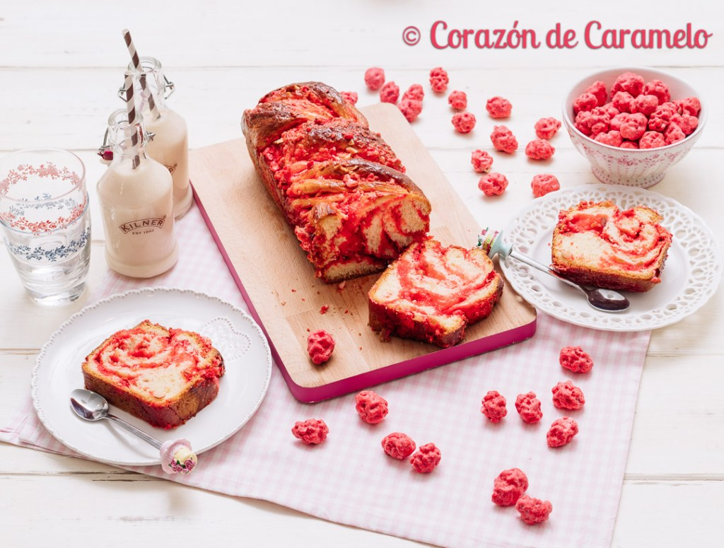 Brioche con pralinés rosas | Receta francesa