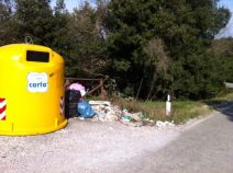 Preservativi e rifiuti al Belvedere 9