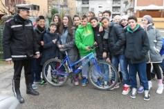 Scuola, a Corciano l'educazione stradale si fa per strada con i vigili docenti per un giorno 4