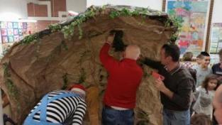 I bambini delle elementari presentano i loro lavori nella Sala del Consiglio Comunale 2