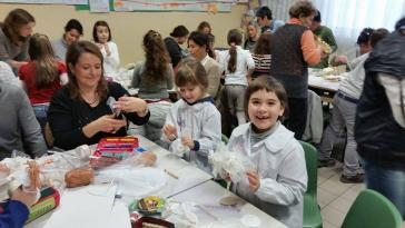 I bambini delle elementari presentano i loro lavori nella Sala del Consiglio Comunale 3