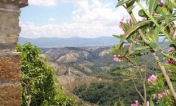 """Crolla il turismo rurale regionale: preoccupata l'associazione """"I Borghi più belli d'Italia"""""""
