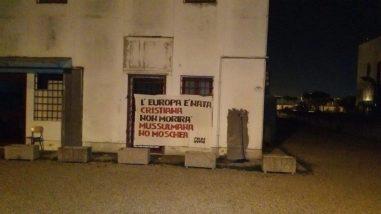 """Blitz di Forza Nuova per chiudere la """"moschea"""" di Ellera, l'imam Abdel Qader: """"È un circolo culturale, sono fratelli pacifici"""" 4"""