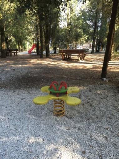 Rimesso a nuovo il parco giochi per bambini sul Colle della Trinità 2