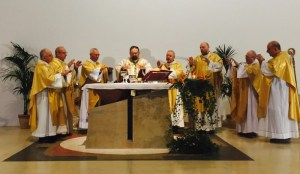 Chiesa, celebrato il rito della consacrazione-dedicazione della parrocchia Santa Maria della Speranza 3
