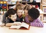 """Donati 2 mila libri alle scuole con l'iniziativa """"Aiutaci a crescere. Regalaci un libro"""", la cerimonia di consegna al Gerlinda"""
