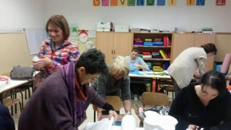 Natale: alla scuola primaria di Corciano laboratori per realizzare addobbi e lavoretti 5