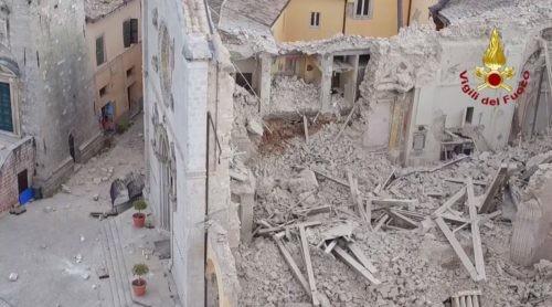 cucinelli leopolda norcia renzi ricostruzione sisma terremoto cronaca glocal solomeo