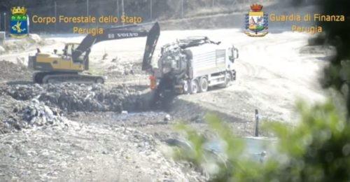ambiente arresto corpo forestale discarica gesenu guardia di finanza rifiuti spazzatura cronaca