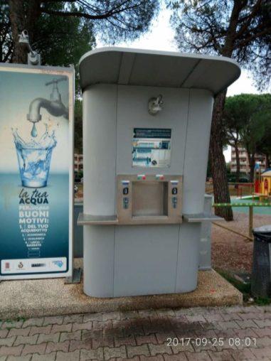 """Furto all'erogatore dell'acqua pubblica, i cittadini: """"Ormai lo hanno preso per un bancomat"""" 7"""