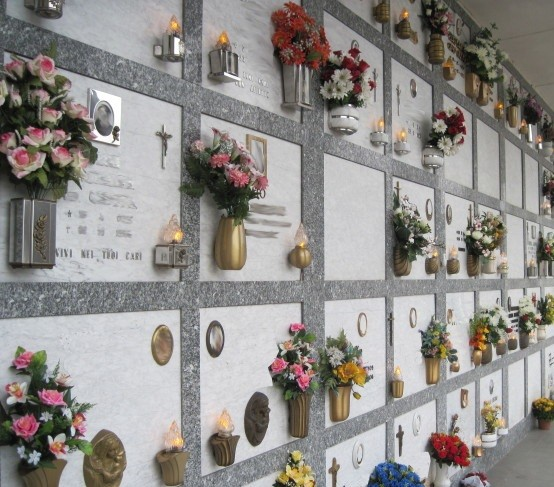 Giorni di apertura straordinaria dei cimiteri corcianesi