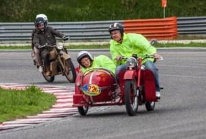 moto storiche 03 300x202 - Sabato e domenica le moto d'epoca del Camep per la rievocazione storica del circuito del Trasimeno.