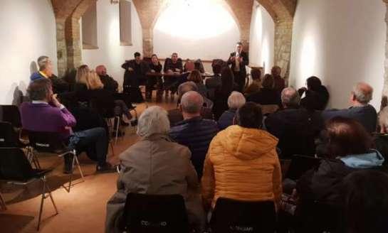 """I corcianesi incontrano gli amministratori e snocciolano problemi: """"Serve una maggiore cura del borgo capoluogo"""""""