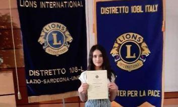 """""""Un poster per la Pace"""": un'allieva dell'Istituto Benedetto Bonfigli premiata dai Lions"""