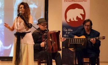 """La """"Flor"""" du mal, a Villa Colle del Cardinale lo spettacolo di Floriana La Rocca"""