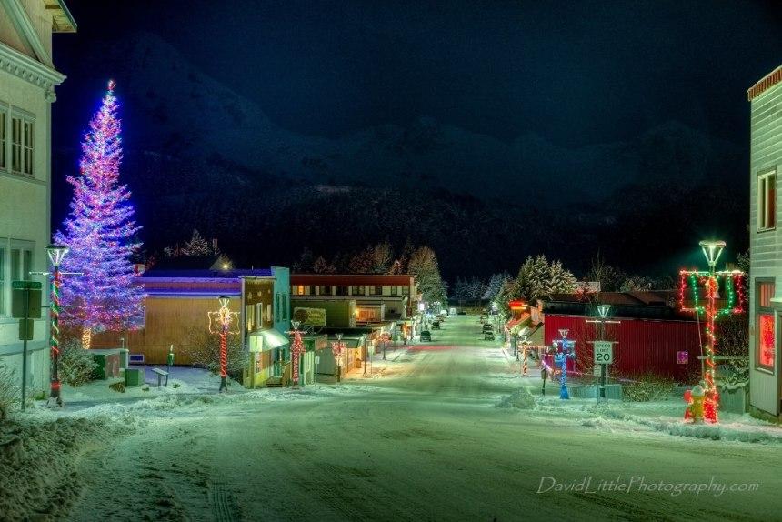 Christmas Tree Lighting & Hometown Holiday Kick-off