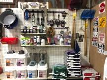 show feeds & supplies