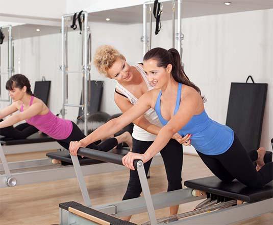 Klinik pilates, medikal pilates, fıtık, skolyoz, skolyoz tedavisi