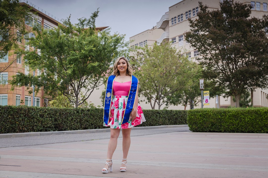 Leslie-UCI-Graduation-coremedia-photography-43