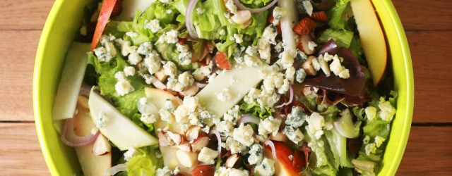 apple, kohlrabi and blue cheese salad