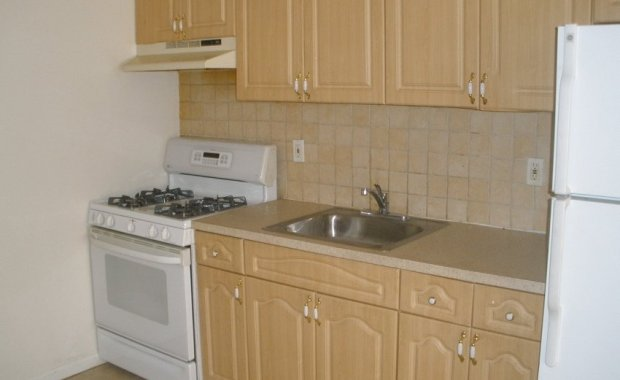 Bed Stuy 2 Bedroom Apartment at Corley Realty Group