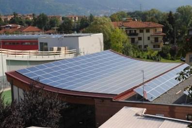 fotografie tetto fotovoltaico centro civico Barzana