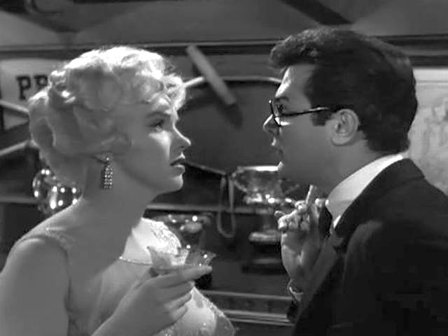 Image result for Some Like It Hot 1959 kissing