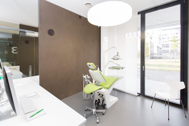 Zahnarztpraxis Aarau Behandlungszimmer