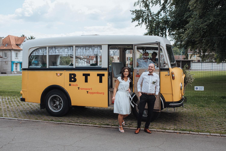 Postauto Hochzeit Transport
