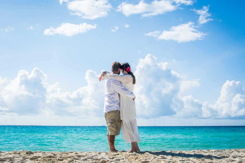 Elopement Hochzeit Strand Paar