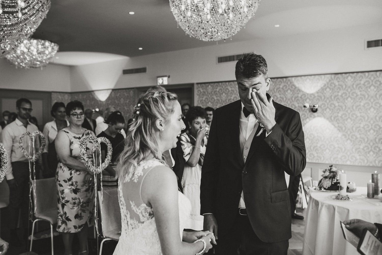 Brautpaar Trauung Zeremonie Emotionen
