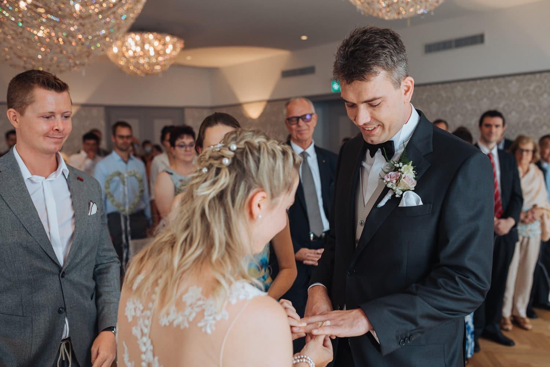 Brautpaar Trauung Zeremonie Ring