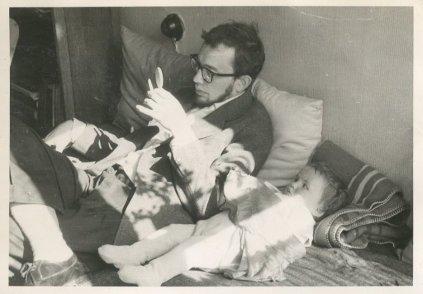 Met Saskia, eind april 1960.