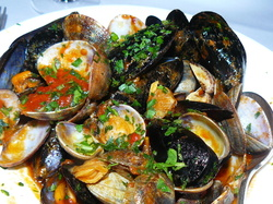 Mussels & clams in tomato sauce.JPG