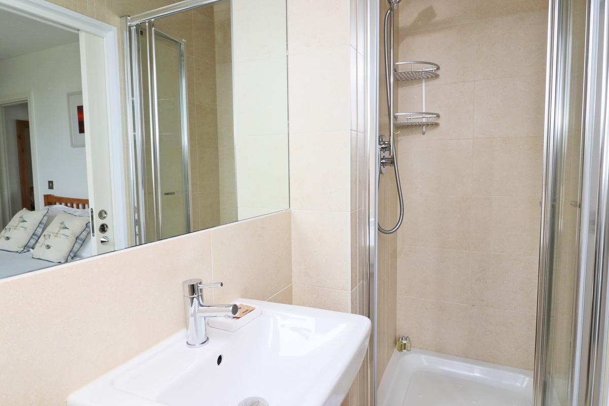 Pendarves Ocean Blue holiday apartment sink
