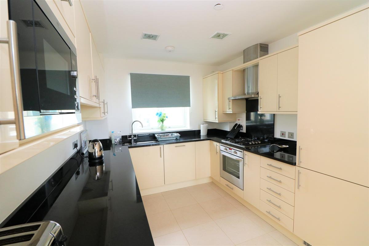 Quies Ocean Blue Holiday apartment Cornwall kitchen modern
