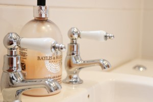 character holiday cottage in Padstow bathroom tap