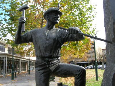 The Cornish Miner monument in the civic area of Bendigo - Erected by the Cornish Assoc. of Bendigo