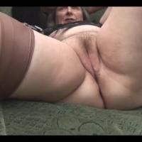Vovó bucetuda safada se masturbando