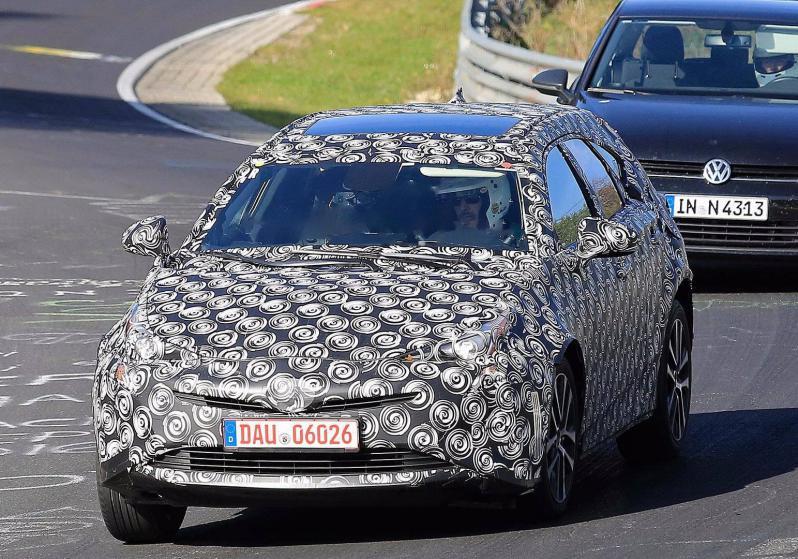 Nova Geração o Toyota Prius pode virar um Crossover