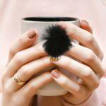 rosenice 6 Pièces Nail En Peluche Balle Nail Pom Fluffy Boule Duveteuse Pompon Nail Décors Magnétique Nail Amovible Décorations pour Ongles Art Conception (Noir)