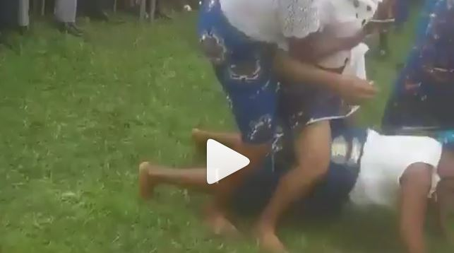 OMG! Video of Nigerian mothers dancing one corner at Government house Port- Harcourt