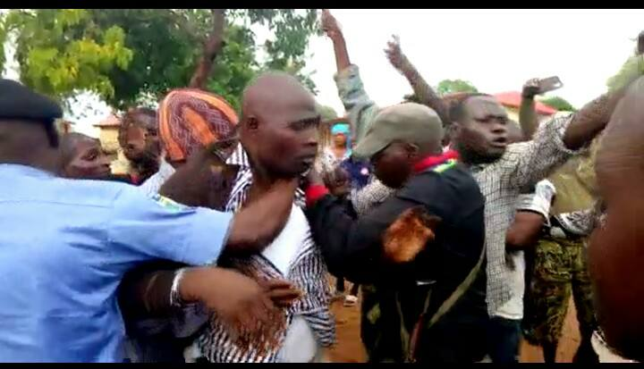 APC lawmakers beaten seriously by mob in Kaduna (Photos)
