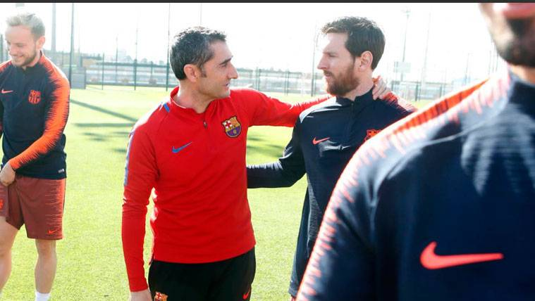 Lionel Messi takes to Instagram, sends touching message to sacked Barcelona coach, Valverde