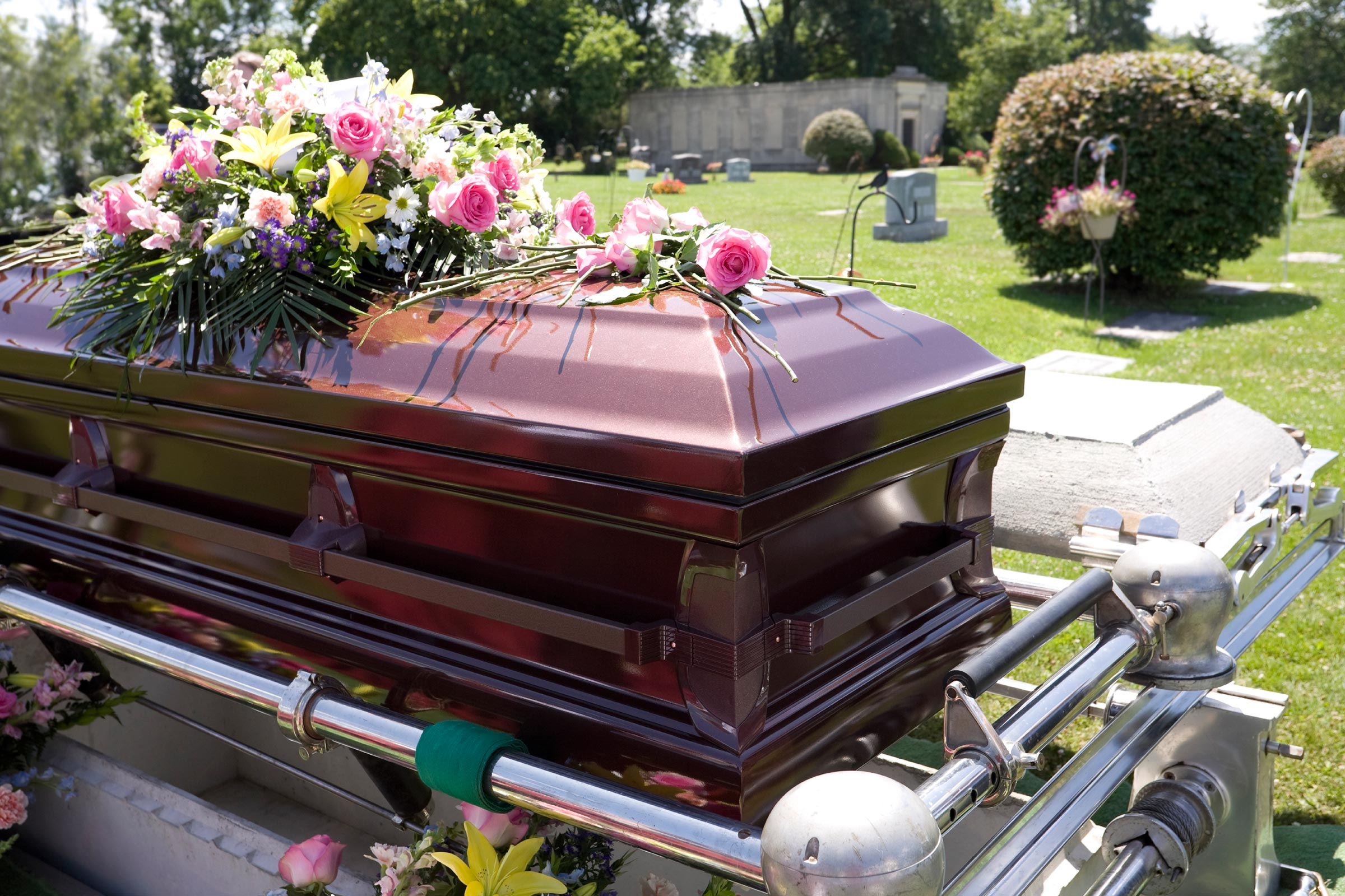 SEE VIDEO: Children drag father's corpse from casket at burial after he abandoned them for 40+ years
