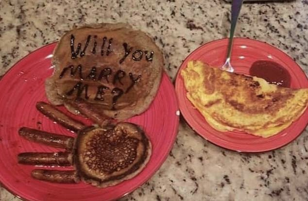 Man proposes to girlfriend with breakfast, puts the ring on the sausage