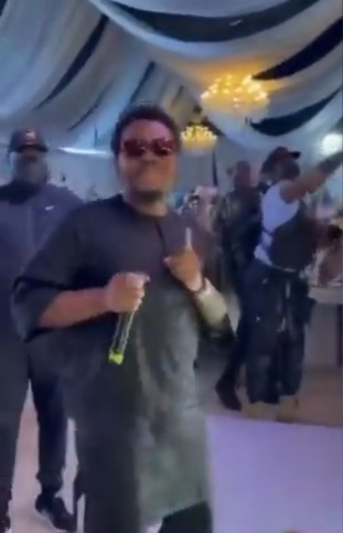 Moment Olamide 'baddo' Surprises A Couple At Their Wedding - VIDEO